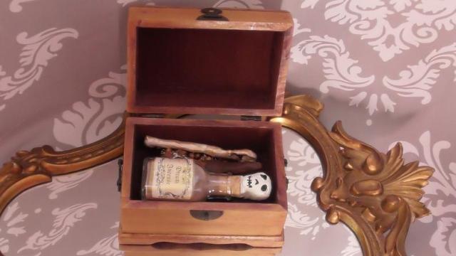 Vampire Hunting Kit. 4