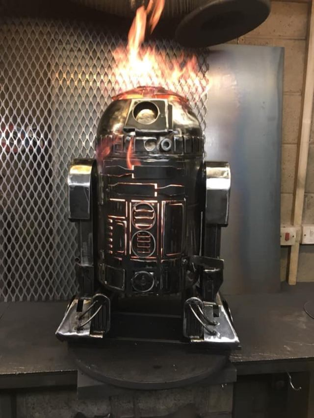 R2D2 Wood Burner - R2D2 Fire Pit - Star Wars Fire Pit - R2D2 - Worlds favourite Droid - Metal Art - Fire Pit - Wood Burner - Droids  2