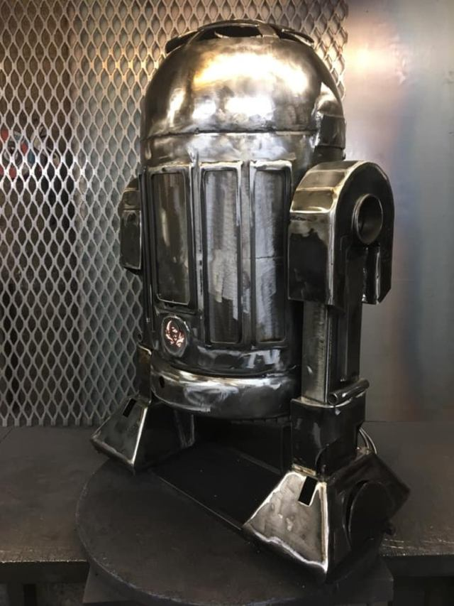 R2D2 Wood Burner - R2D2 Fire Pit - Star Wars Fire Pit - R2D2 - Worlds favourite Droid - Metal Art - Fire Pit - Wood Burner - Droids  4