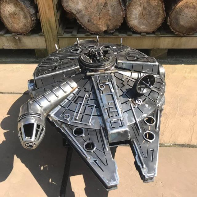 Star Wars - Metal Art - Millennium Falcon - Fire Pit - wood burner  4