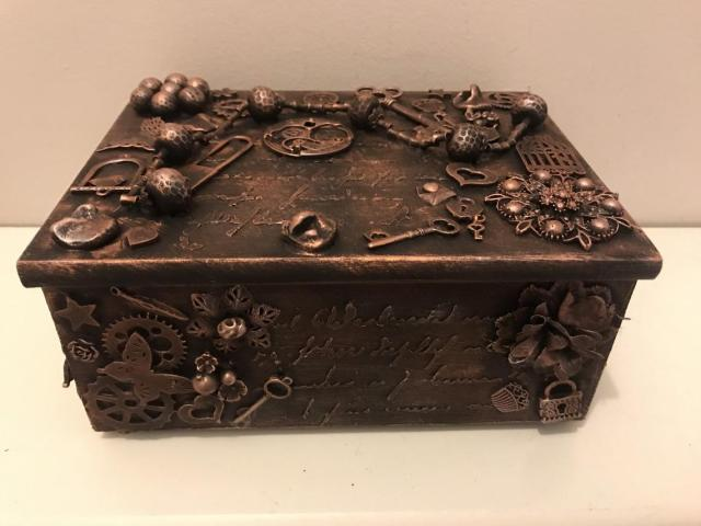 Mixed media decorated jewellery box, decorated jewellery box, steampunk jewellery box, gothic jewellery box, vintage decorated jewellery box  1
