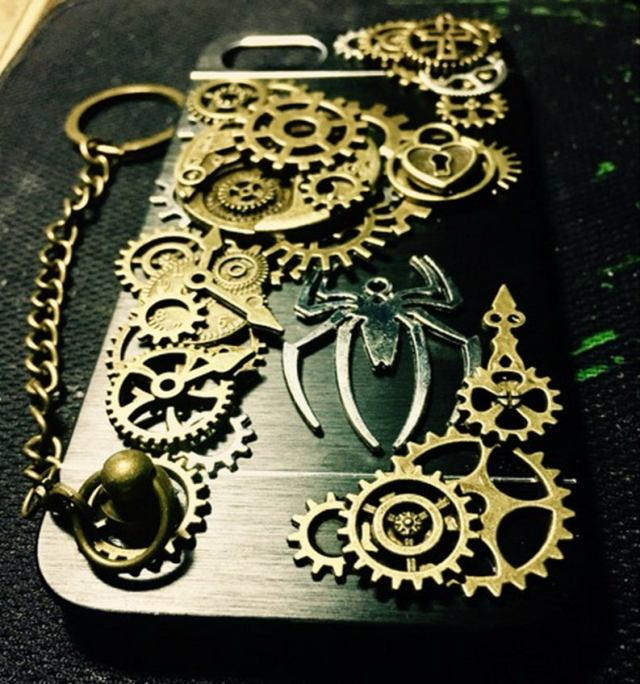 Handmade-Movable-Gears-Gothic-Cross-Lock-Heart-Spider-King-Steampunk-Pernonalised-Phone-Case-Back-Cover-