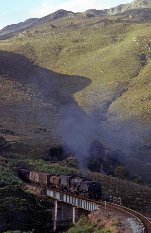 hoew hoek gea caledon south africa steam locomotive garratt
