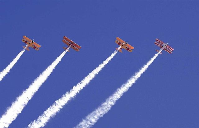 03 Four Ship Overhead