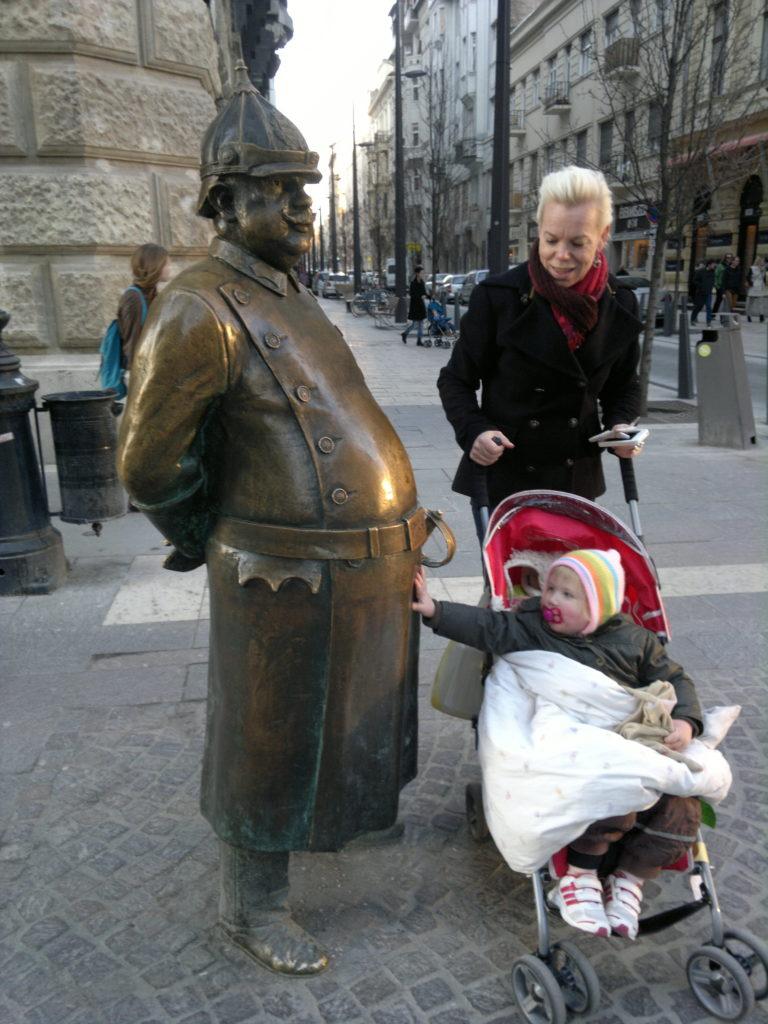 Budapest - de venlige skulpturers by
