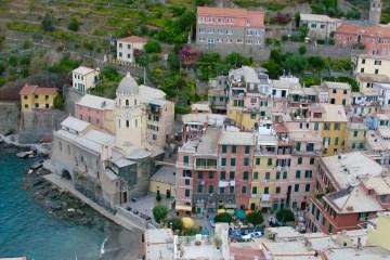 Udsigt over Piazza Marconi, Vernazza, Cinque Terre, Italien