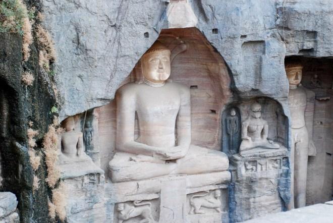 Jain-statuer, Gwalior Fort, Madhya Pradesh, Indien. © Bitten Holmsgaard.