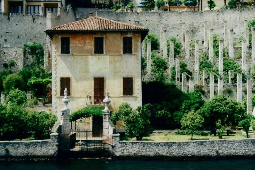 Limonaia - citrondrivhus - Limone sul Garda, Italien.