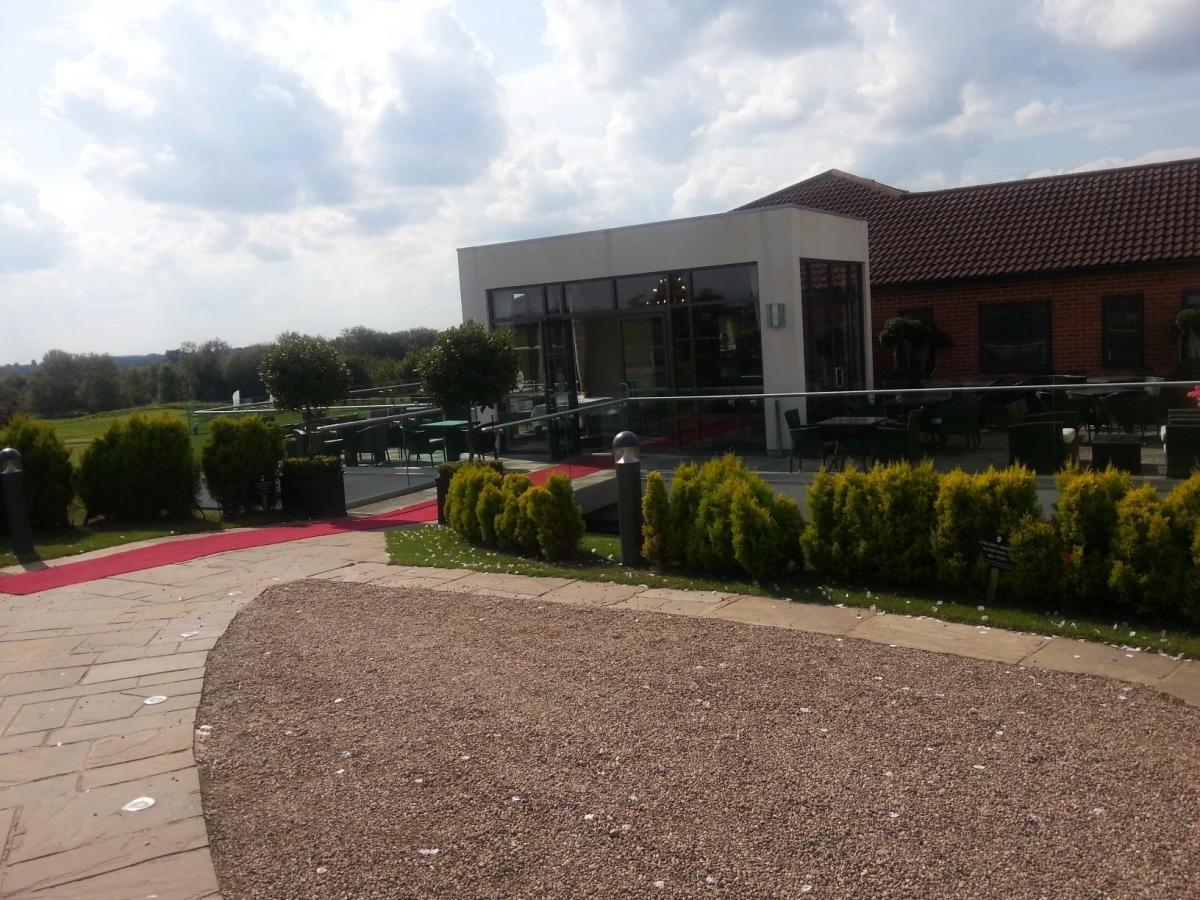 Nottinghamshire Golf Country Club Steelasophical SteelBand Wedding