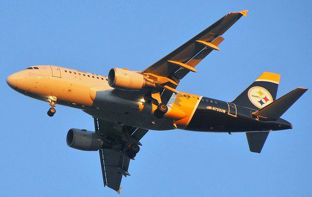 Steelers-plane
