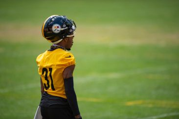Pittsburgh Steelers cornerback Justin Layne (31) trains at Heinz Field during the Steelers 2020 Training Camp, Friday, Aug. 19, 2022 in Pittsburgh, PA. (Caitlyn Epes / Pittsburgh Steelers)