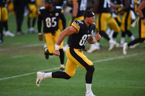 Pittsburgh Steelers tight end Kevin Rader (87) trains at Heinz Field during the Steelers 2020 Training Camp, Monday, Aug. 22, 2022 in Pittsburgh, PA. (Caitlyn Epes / Pittsburgh Steelers)