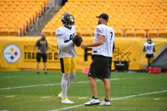 Pittsburgh Steelers tight end Eric Ebron (85) and Pittsburgh Steelers quarterback Ben Roethlisberger (7) train at Heinz Field during the Steelers 2020 Training Camp, Monday, Aug. 31, 2020 in Pittsburgh, PA. (Karl Roser / Pittsburgh Steelers)