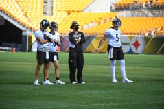 Pittsburgh Steelers Quarterback Coach Matt Canada trains with Pittsburgh Steelers quarterbacks Mason Rudolph (2), Devlin Hodges (6) and Paxton Lynch (5) at Heinz Field during the Steelers 2020 Training Camp, Friday, Sept. 4, 2020 in Pittsburgh, PA. (Karl Roser / Pittsburgh Steelers)