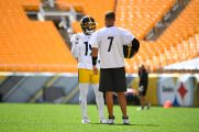 Pittsburgh Steelers wide receiver JuJu Smith-Schuster (19) and Pittsburgh Steelers quarterback Ben Roethlisberger (7) train at Heinz Field during the Steelers 2020 Training Camp, Friday, Sept. 4, 2020 in Pittsburgh, PA. (Karl Roser / Pittsburgh Steelers)