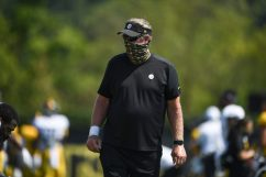 Pittsburgh Steelers Defensive Coordinator Keith Butler practices at the UPMC Rooney Sports Complex preparing for a Week 1 matchup against the New York Giants, Wednesday, Sept. 9, 2020 in Pittsburgh, PA. (Karl Roser / Pittsburgh Steelers)