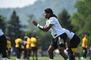 Pittsburgh Steelers quarterback Dwayne Haskins (3) participates in the Organized Team Activities (OTAs), Tuesday May 25, 2021 at the UPMC Rooney Sports Complex. (Caitlyn Epes / Pittsburgh Steelers)