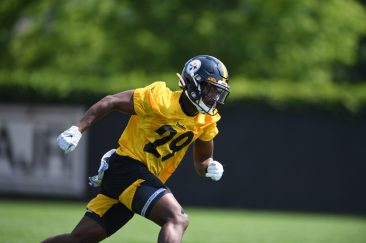 Pittsburgh Steelers cornerback Shakur Brown (29) participates in the Organized Team Activities (OTAs), Tuesday May 25, 2021 at the UPMC Rooney Sports Complex. (Karl Roser / Pittsburgh Steelers)