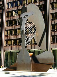 patung chicago picasso dari pelat corten steel