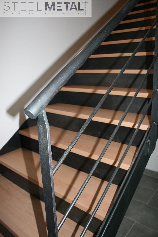 Escalier droit metal et bois Fabrication et distribution descalier droit