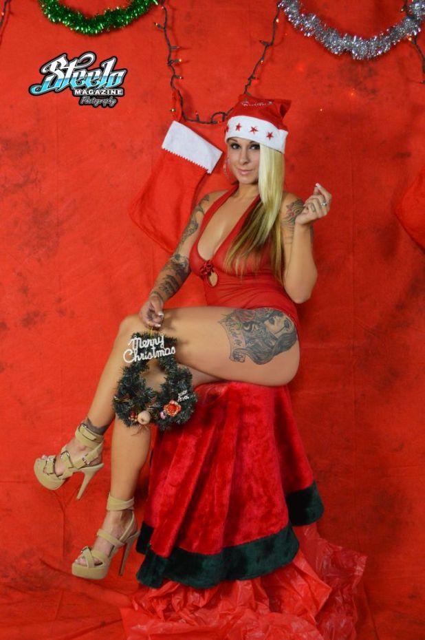 Justina Christmas Shoot (10)