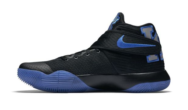 Kyrie shoe 3