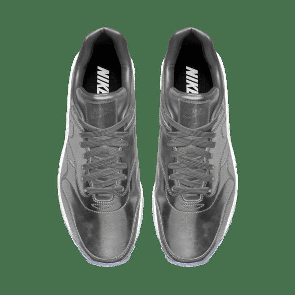 NIKE Silver 3