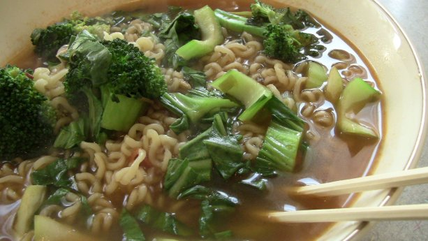 Vegetable Ramyun with Broccoli and Bok Choy