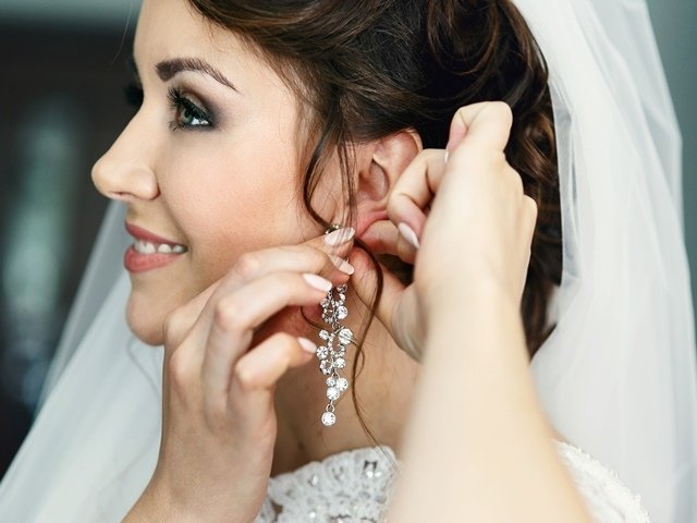 Image result for earrings for round face imagesize:640x480