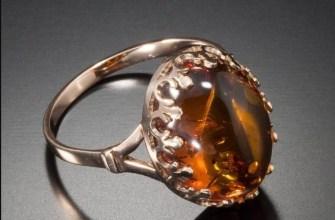 На каком пальце носят кольца с янтарем: сакральное значение аксессуара