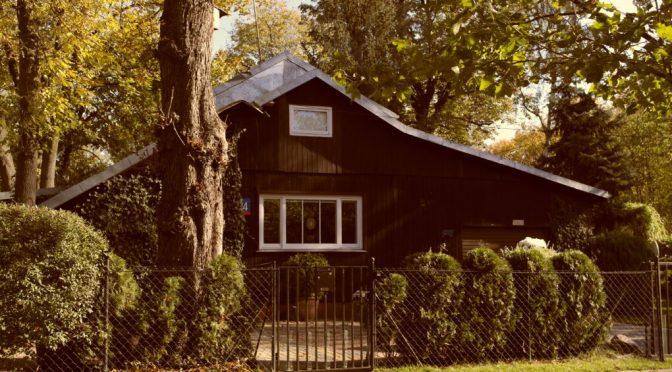 Ein kleines, finnisches Dorf mitten in Warschau versteckt – Jazdów