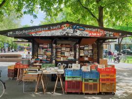 Eine kleine Bude mit gebrauchten Büchern