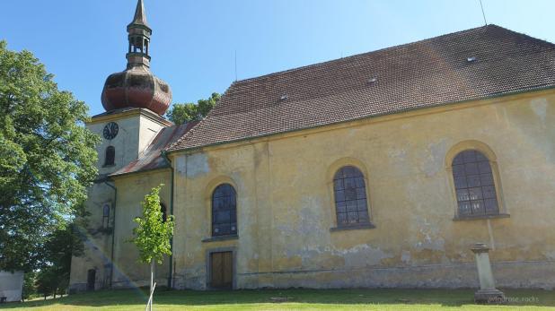 Eine Kirche in Trstenice, wo ich kurz anhalte