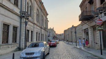 Abendstimmung in den Straßen von Kutaissi