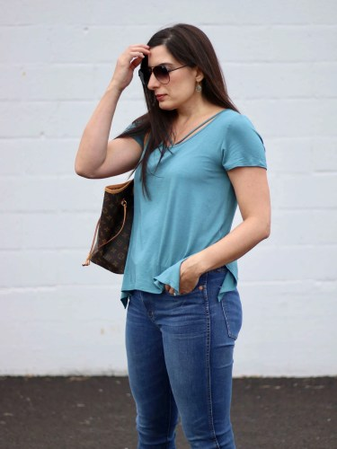Madewell Magic Jeans, Soludos Espadrilles, Louis Vuitton Neverfull, Quay High Key Sunglasses