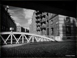 Hafen City Shadow