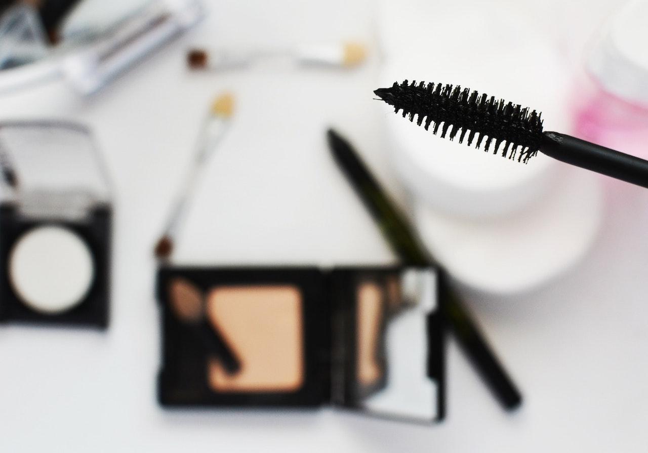 10 cosmetici che non possono mancare nel tuo beauty