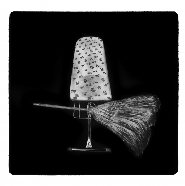 Besen und Bügelbrett, Charcoal Drawing 170 x170 cm