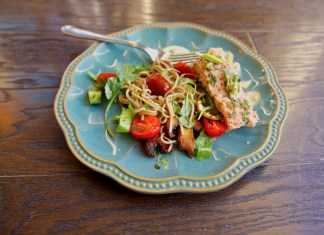 Baked-Salmon-With-Ginger-and-Leek-and-Soba-Noodle-Salad