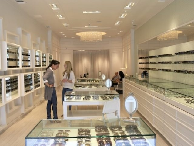 Lady Holiday picking out shades at C By Karina's gorgeous boutique in Beverly Hills, California