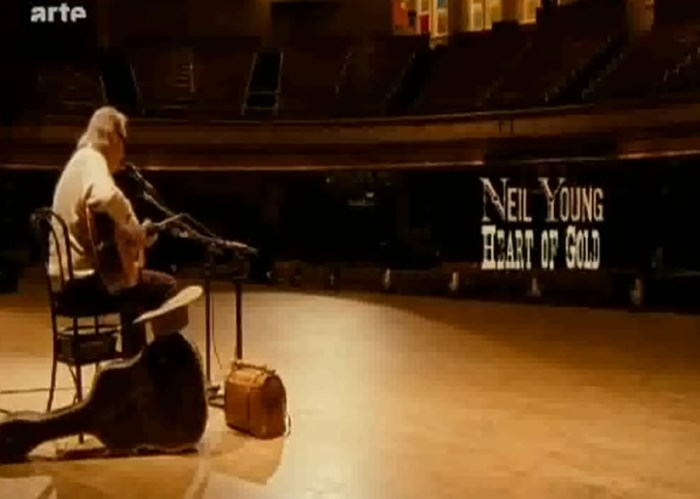 Neil Young – Old Laughing Lady