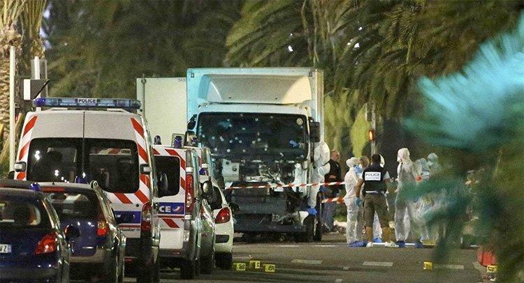 Lastebilen som drepte minst 80 mennesker i Nice 14. juli 2016