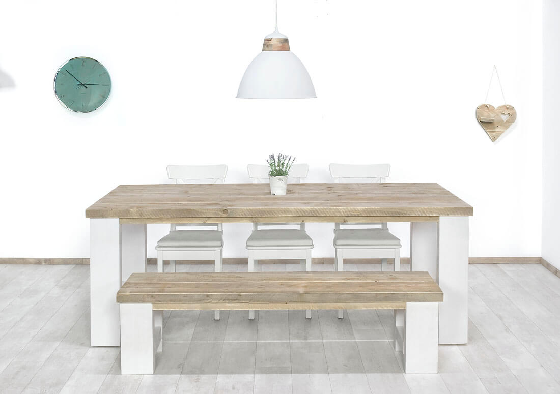 Steigerhouten tafel Tula met wit onderstel