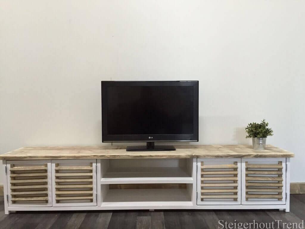 Steigerhouten TV meubel Winona met shutter deuren 20