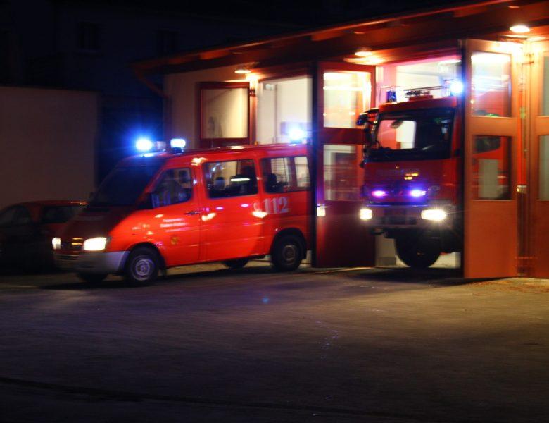 Lebensgefährlicher Spaziergang an den Gleisen/Frau von Zug erfasst und verletzt