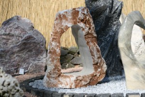 Skulpturstein Onyx mit Bohrung