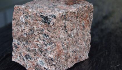 Pflastersteine – Granit Vanga rot 8x11cm