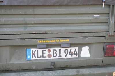 Der Aufkleber kann nur bei einem Dampfbahner am Auto kleben ...