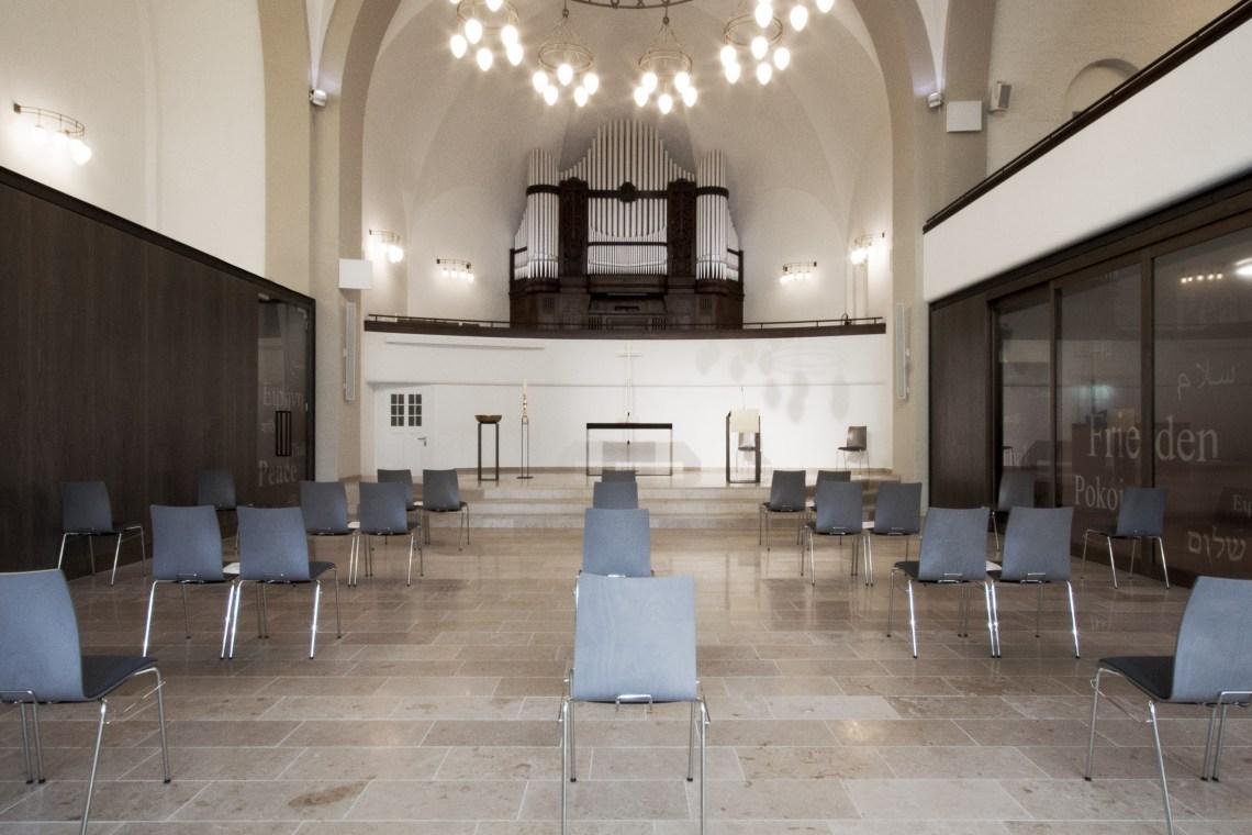 Kircheninnenraum zum Altar_Pauluskirche