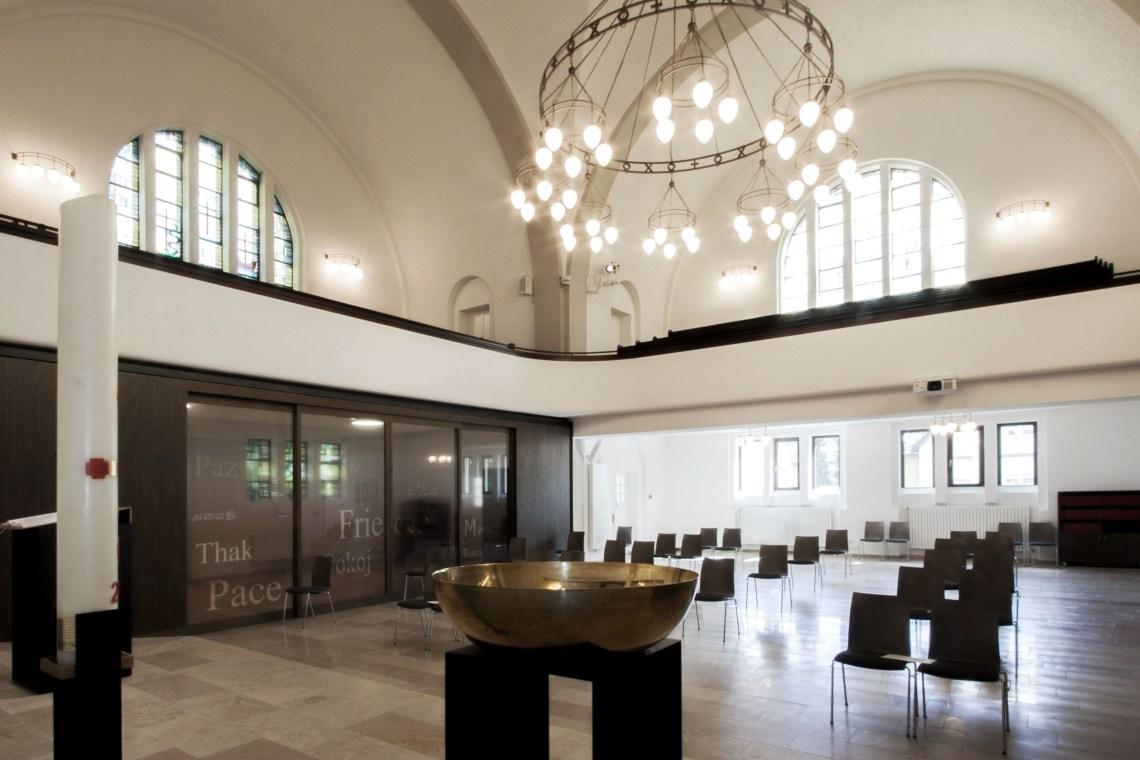 Kircheninnenraum_Eingang_Pauluskirche